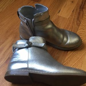 GUC Gap silver booties, minor scratches on front